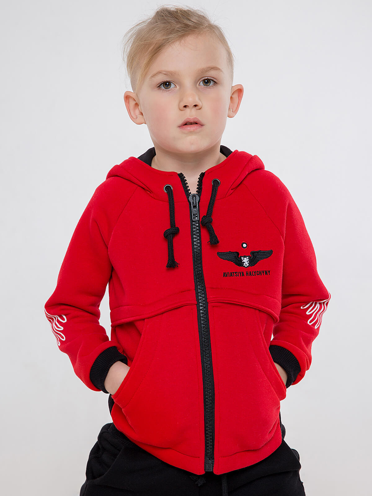 Kids Hoodie Stork. Color red.  Technique of prints applied: silkscreen printing.