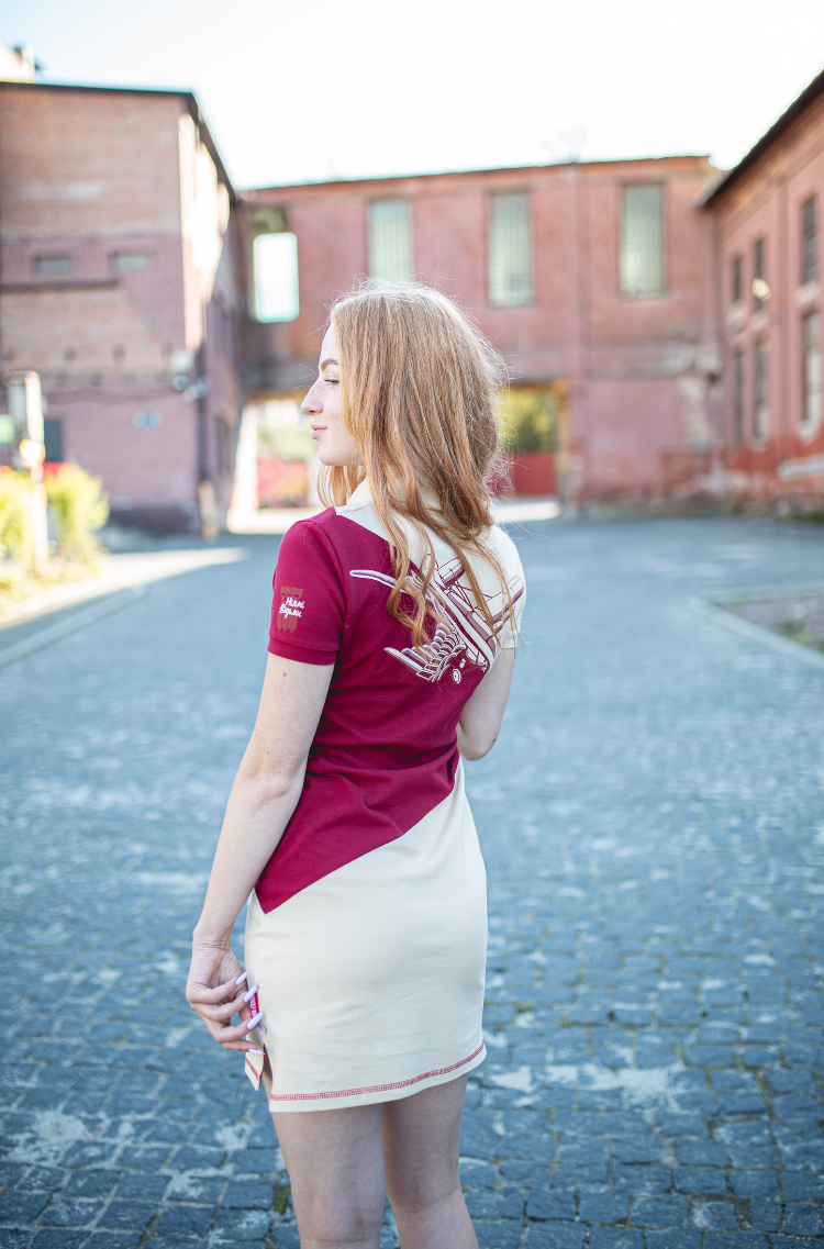 Women's Dress-Polo Shirt Olenka. Color ivory.  Size worn by the model: S.