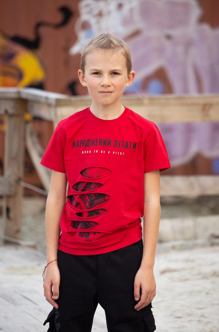 Дитяча Футболка Народжений Літати. Колір червоний.  Технологія нанесення зображень: шовкодрук.
