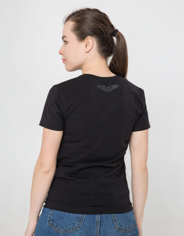 Women's T-Shirt Syla. Color black.  Don't worry about the universal size.