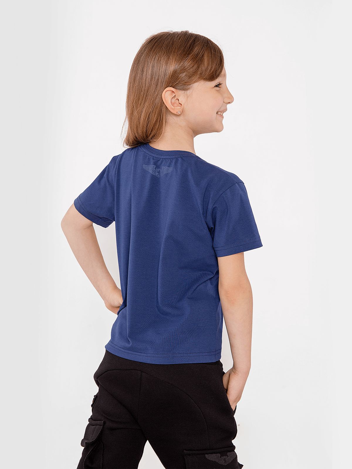 Kids T-Shirt Bee. Color navy blue. 3.