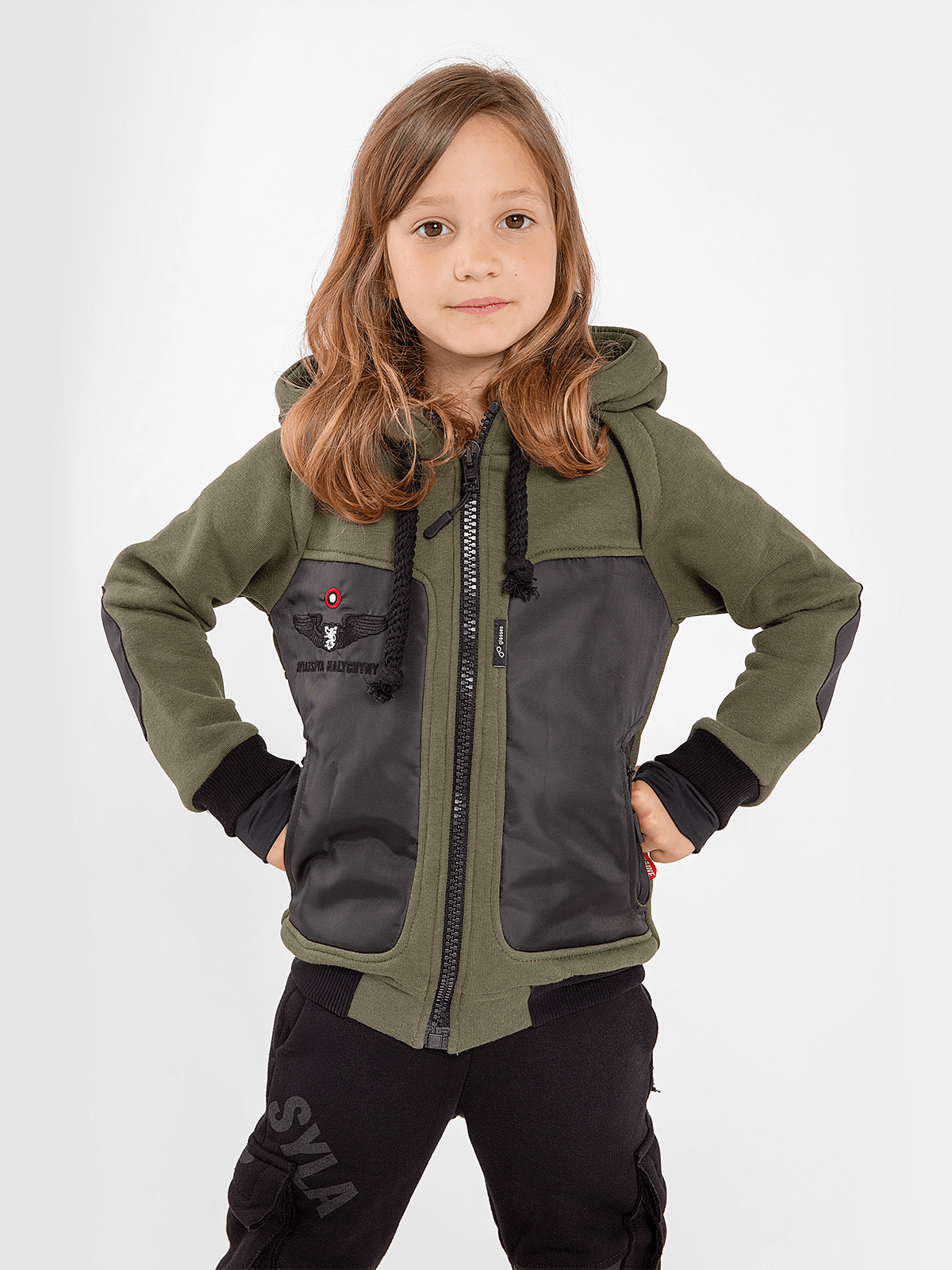 Kids Hoodie Syla. Color khaki.  Material of the hoodie – three-cord thread fabric: 77% cotton, 23% polyester.