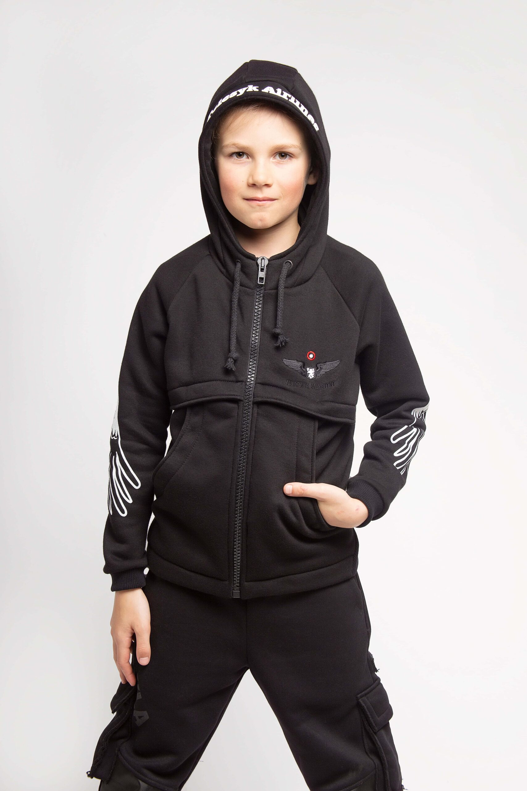 Kids Hoodie Stork. Color black.  The color shades on your screen may differ from the original color.
