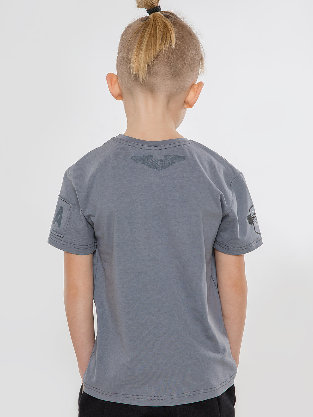 Kids T-Shirt Goose. Color gray.  Technique of prints applied: silkscreen printing.