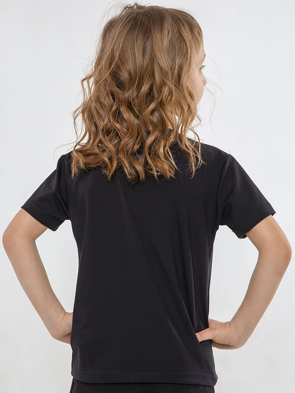 Kids T-Shirt Roundel. Color black.  The color shades on your screen may differ from the original color.