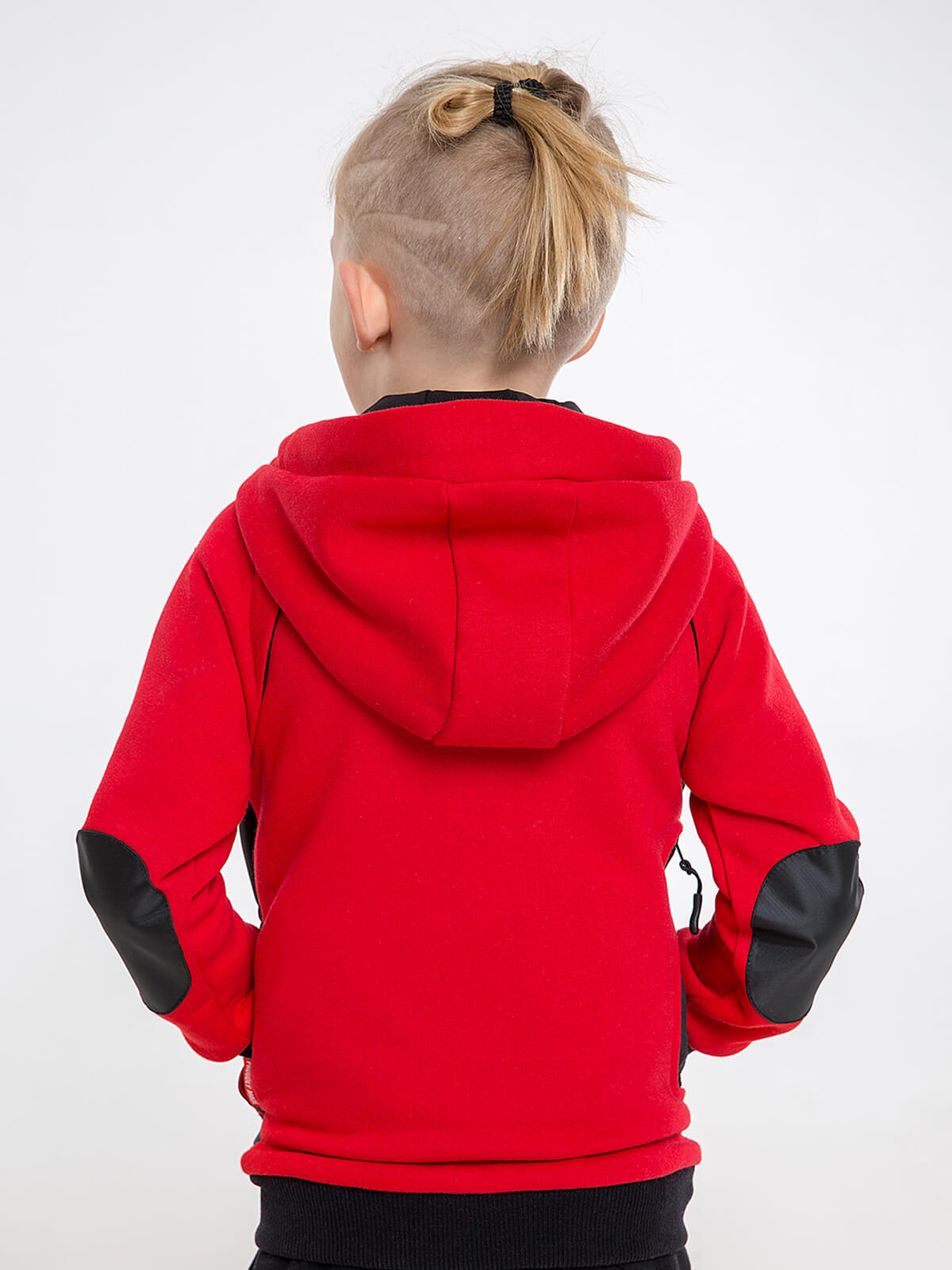 Kids Hoodie Syla. Color red.  Technique of prints applied: silkscreen printing, embroidery, chevrons.
