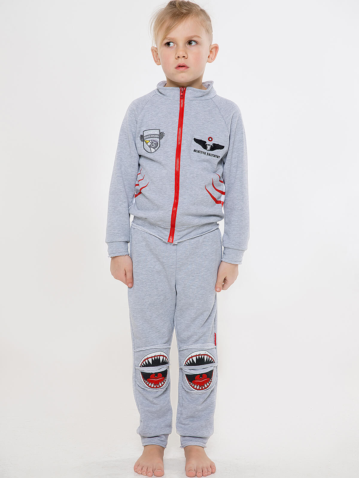 Kids Sport Suit Shark. Color gray.  Material: 79% cotton, 21% polyester Technique of prints applied: silkscreen printing.