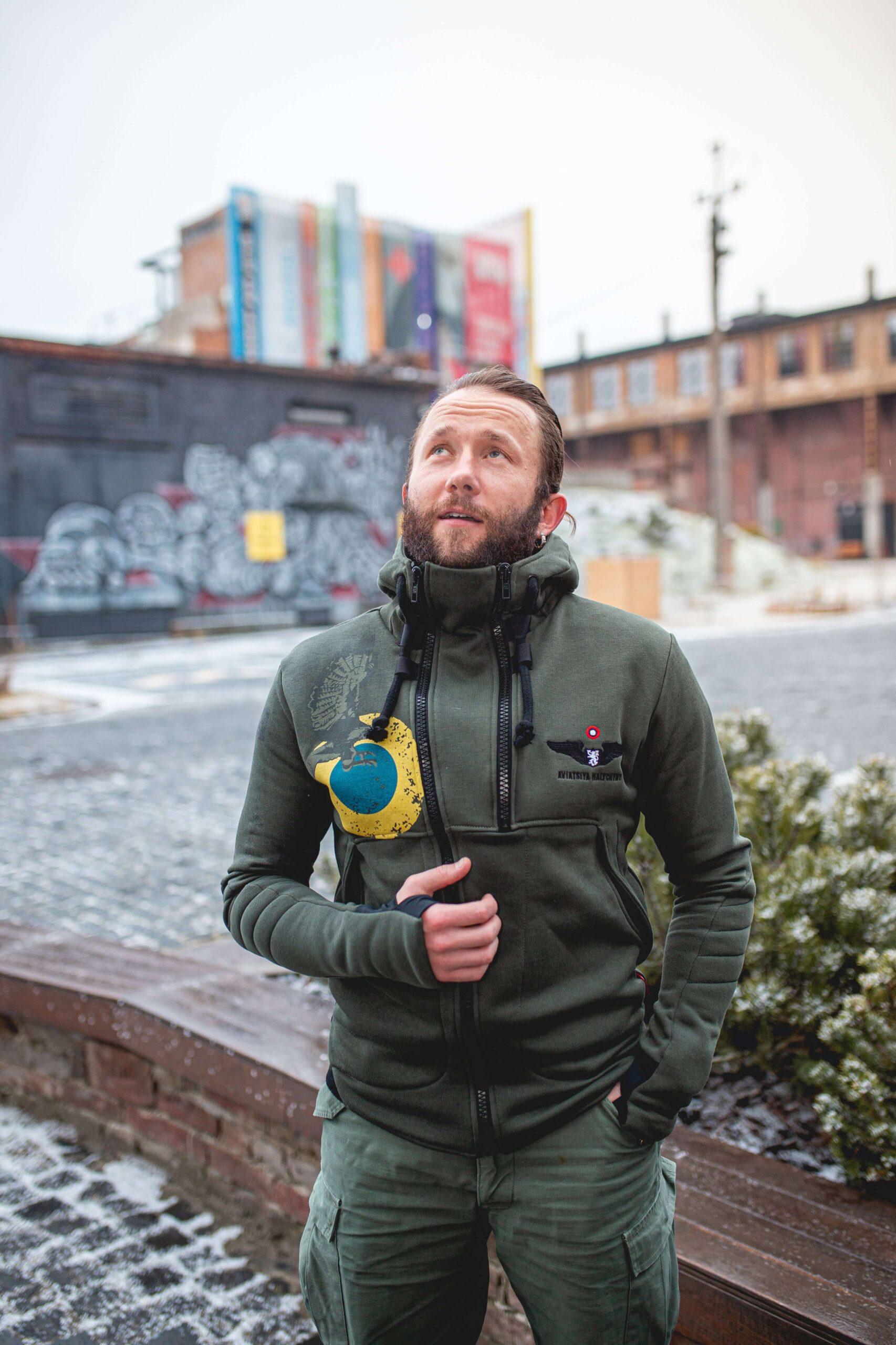 Men's Hoodie Ukrainian Falcons. Color khaki.  Size worn by the model: М.