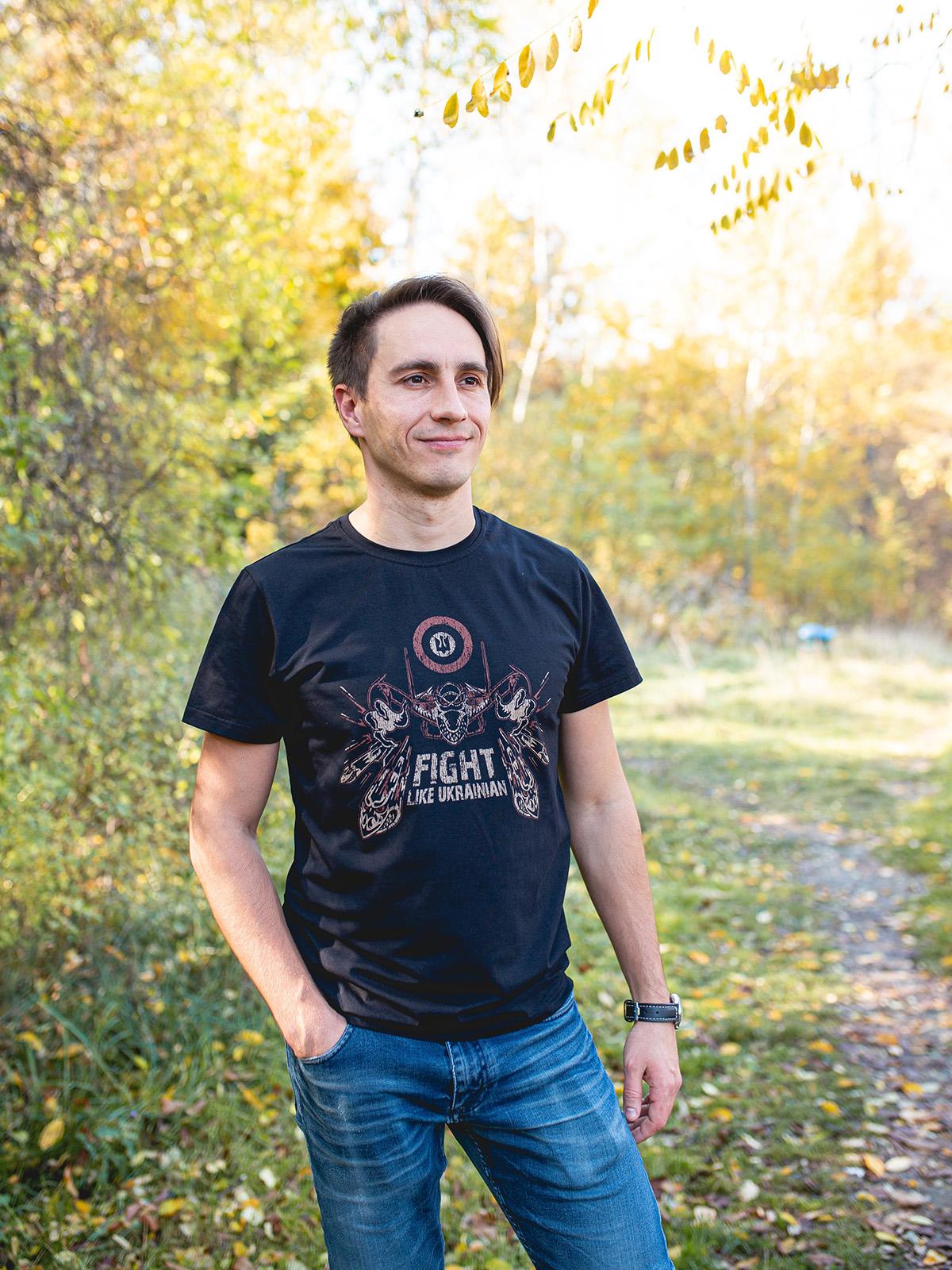 Men's T-Shirt Flu. Color black.  Size worn by the model: M.