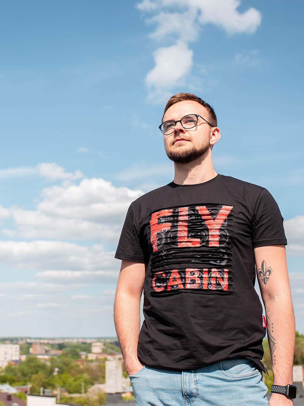 Men's T-Shirt Fly Cabin. Color black.  Technique of prints applied: silkscreen printing.