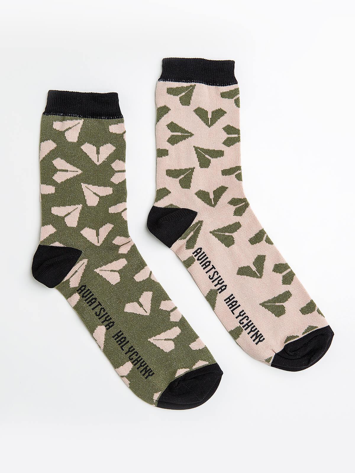 Шкарпетки Летючі Козаки. Колір темно-зелений. Матеріал: 95% бавовна, 5% еластан Шкарпетки різного кольору Товар обміну та поверненню не підлягає згідно закону.