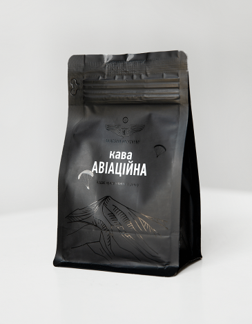 Coffee Aviation. Color black. Grain coffee Slightly fried Arabica Wet processing Nicaragua, Estelí Height – 1800 meters Pronounced taste of red apple, orange and caramel Volume: 140g.