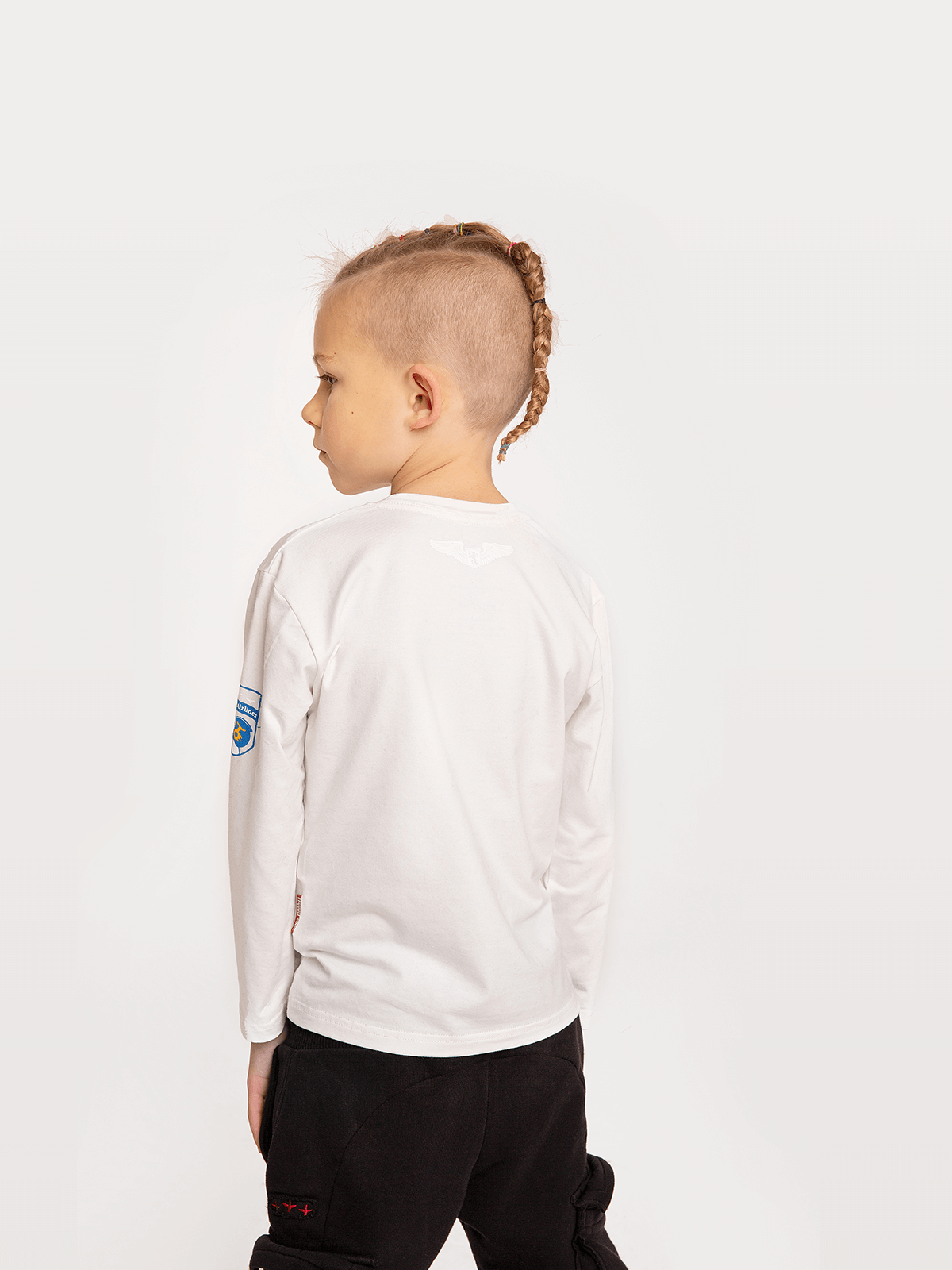 Kids Long Sleeves Kids Long Sleeves Mykolay. Color off-white.  The color shades on your screen may differ from the original color.