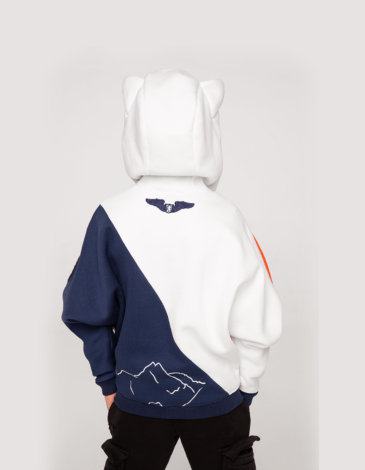 Kids Hoodie Squirrel. Color off-white. Hoodie: unisex, well suited for both boys and girls.