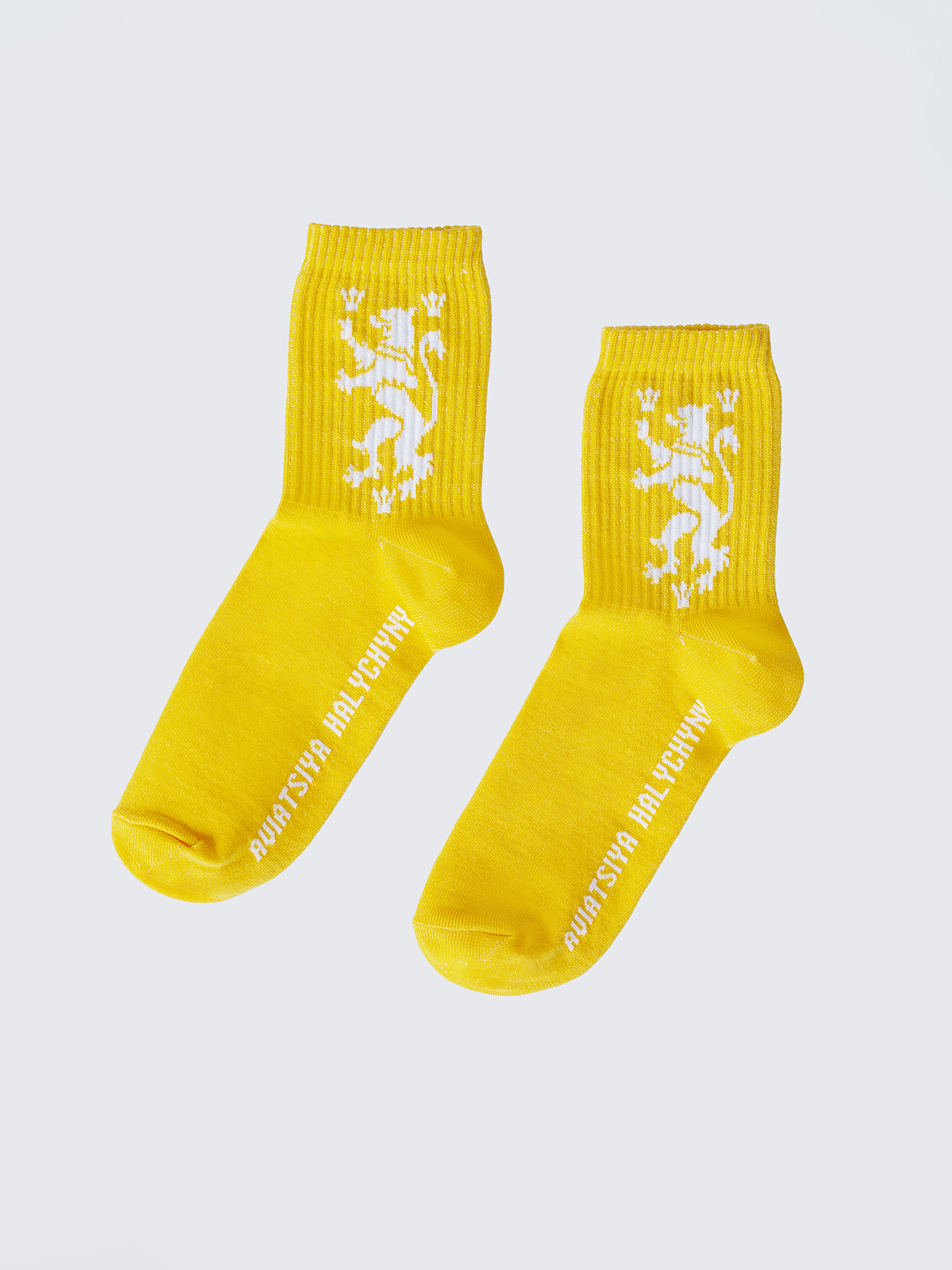 Socks Lion. Color yellow. 95% cotton, 5% elastane The product is not subject to return and exchange according to the law.