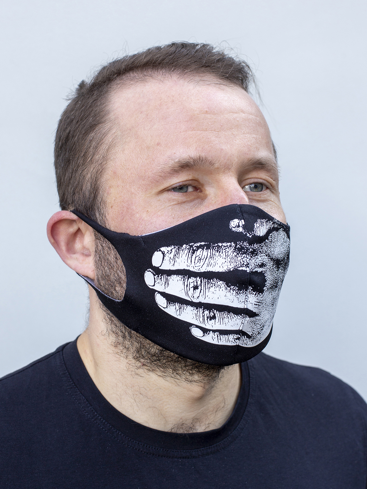 Mask Hand. Color black.  There is a knitwear lining/pocket from the inside (95% cotton, 5% elastane) for the replaceable filter.