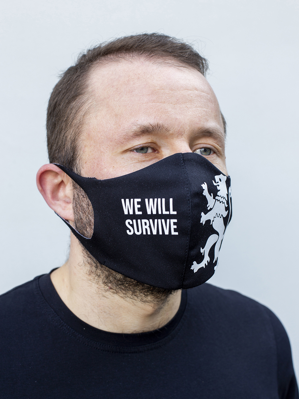 Mask Lion (We Will Survive). Color black.  The cuts of the straps are soft and raw.