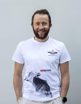 Men's T-Shirt Bat. Color white. Якби кажани могли щось сказати про коронавірус, це було б: