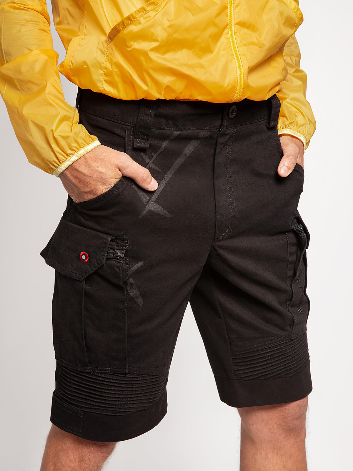 Men's Shorts Flyer. Color black.  Fabric: 100% cotton The color shades on your screen may differ from the original color.