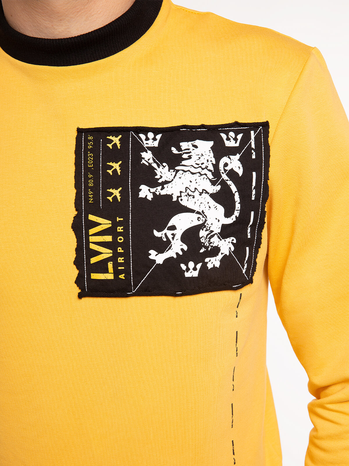 Men's Long Sleeves Have A Nice Flight. Color yellow.  Size worn by the model: M.