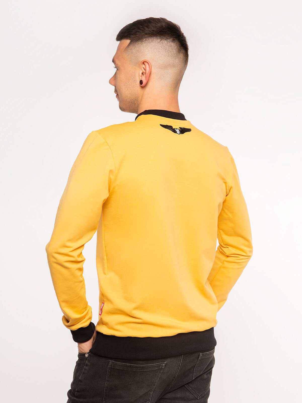 Men's Long Sleeves Have A Nice Flight. Color yellow.  Technique of prints applied: silkscreen printing.