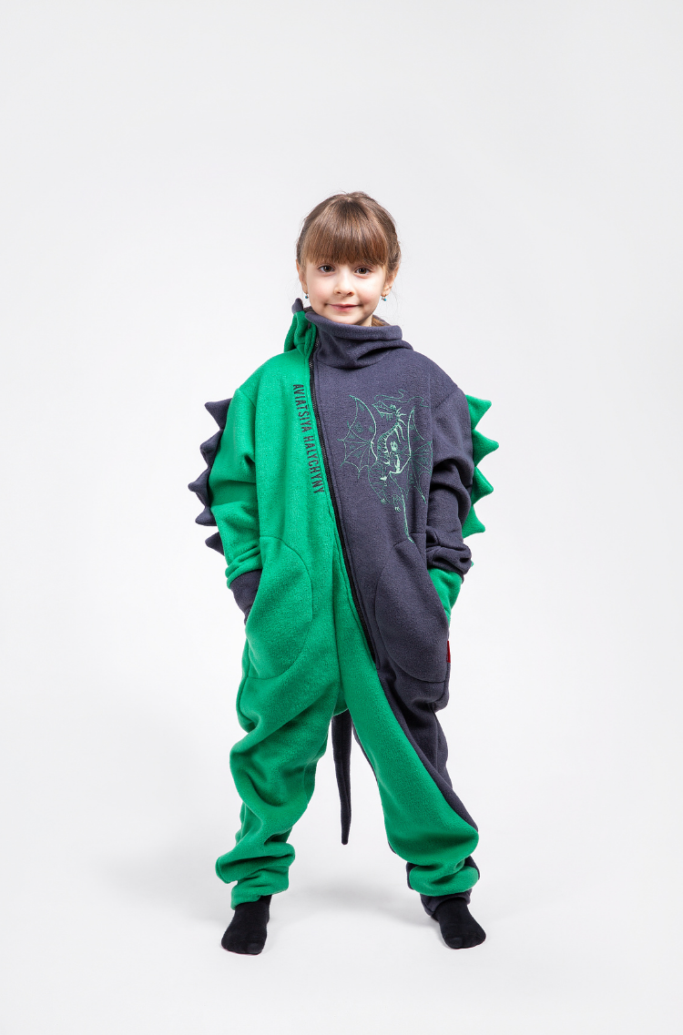 Rompers Dragon. Color green.  The color shades on your screen may differ from the original color.