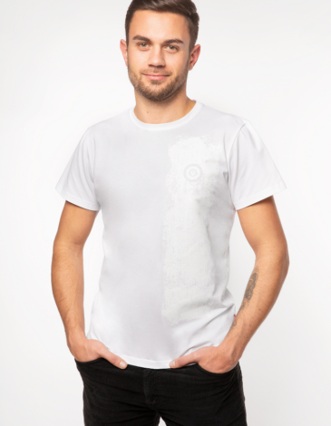 Men's T-Shirt Must-Have. Color white.  Technique of prints applied:  silkscreen printing.