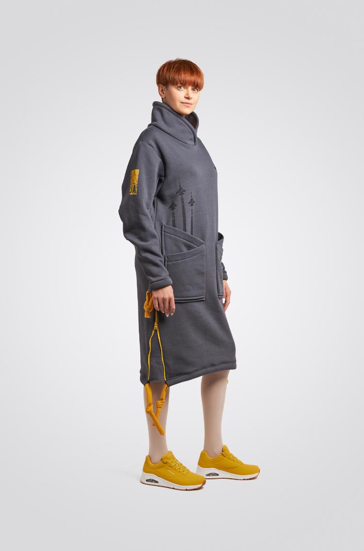 Тепла Сукня Стрімка. Колір графітовий.  Розмір на моделі: М.