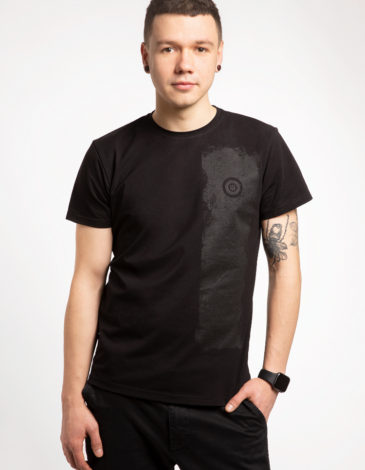 Men's T-Shirt Must-Have. Color black.  Don't worry about the universal size.