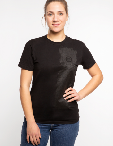 Women's T-Shirt Must-Have. Color black.  Don't worry about the universal size.