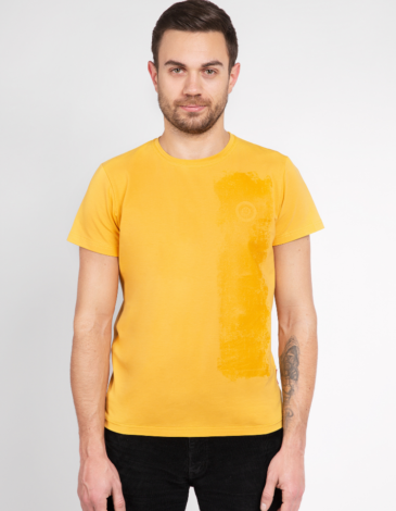 Men's T-Shirt Must-Have. Color yellow.  It looks great on a female figure! Material: 95% cotton, 5% spandex.