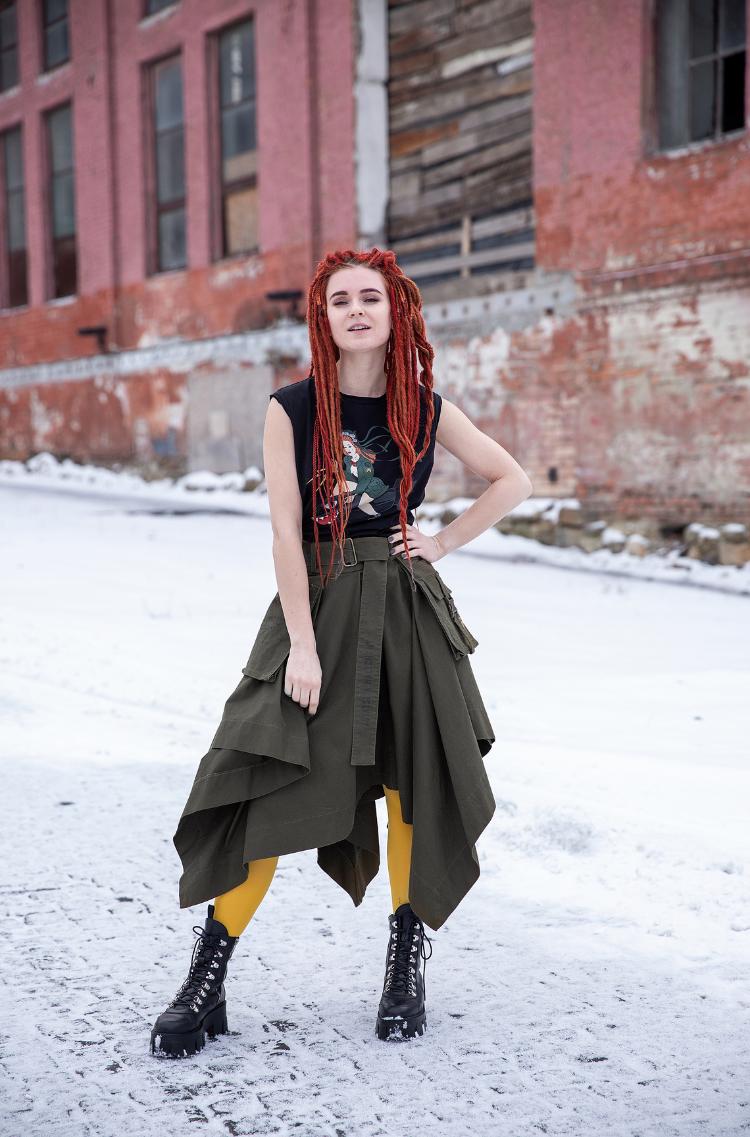 Women's Skirt Broom. Color khaki. 13.