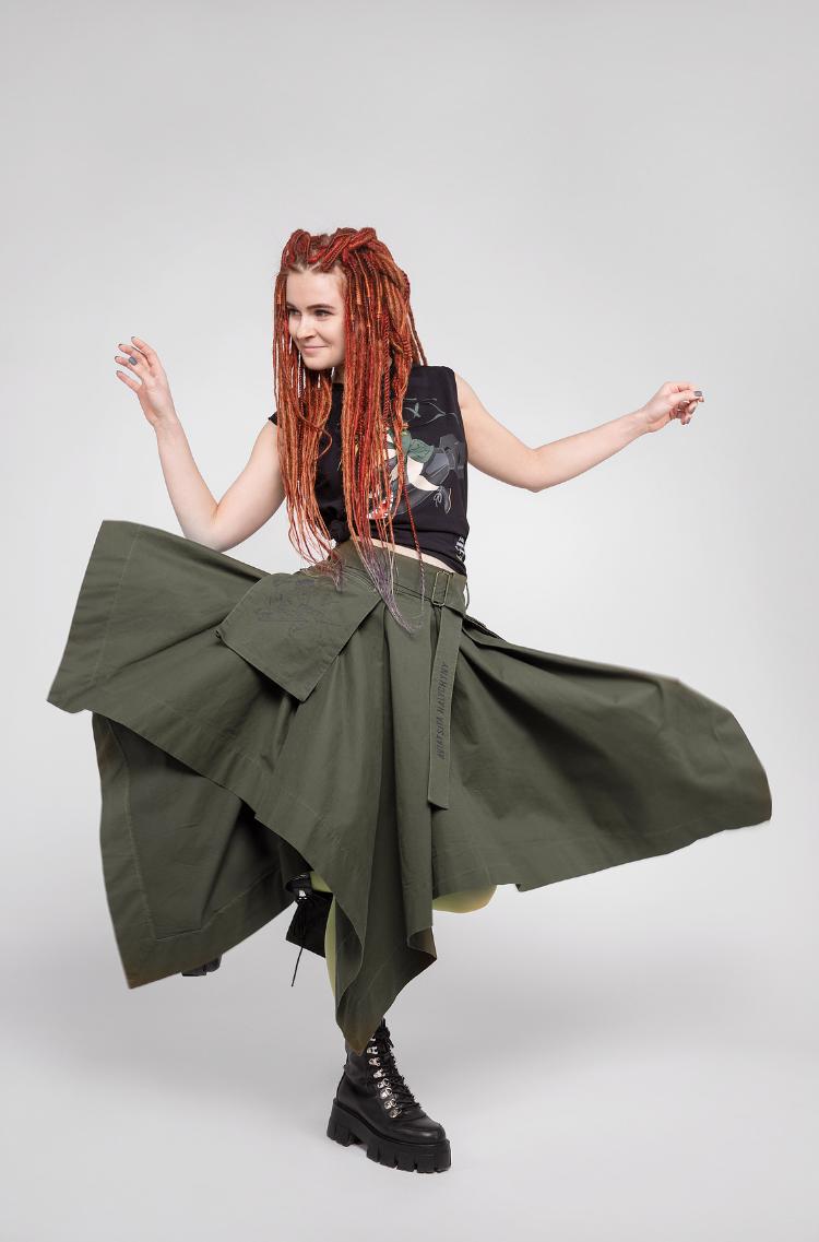 Women's Skirt Broom. Color khaki.  Model size: XSS.