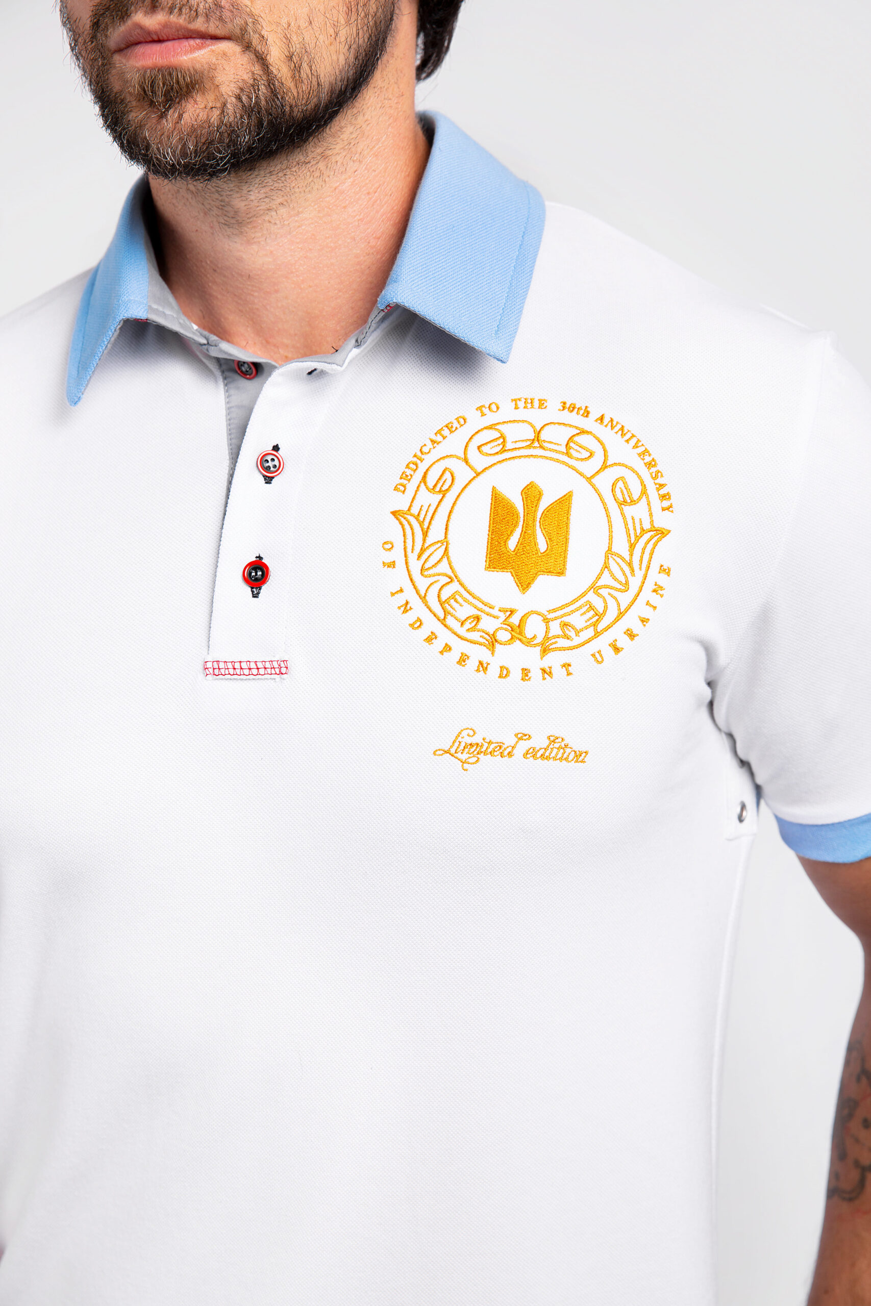 Men'S Polo 30 Years Of Independence. Color white.  Height of the model:182 cm.
