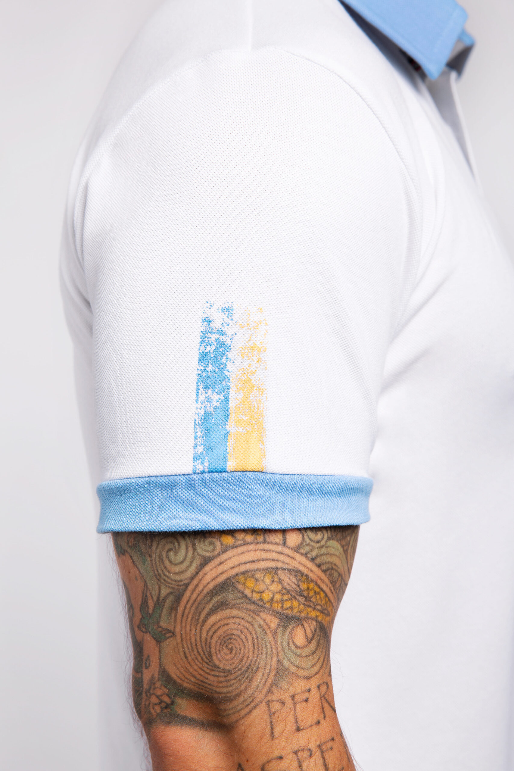 Men'S Polo 30 Years Of Independence. Color white.  Size worn by the model: L.